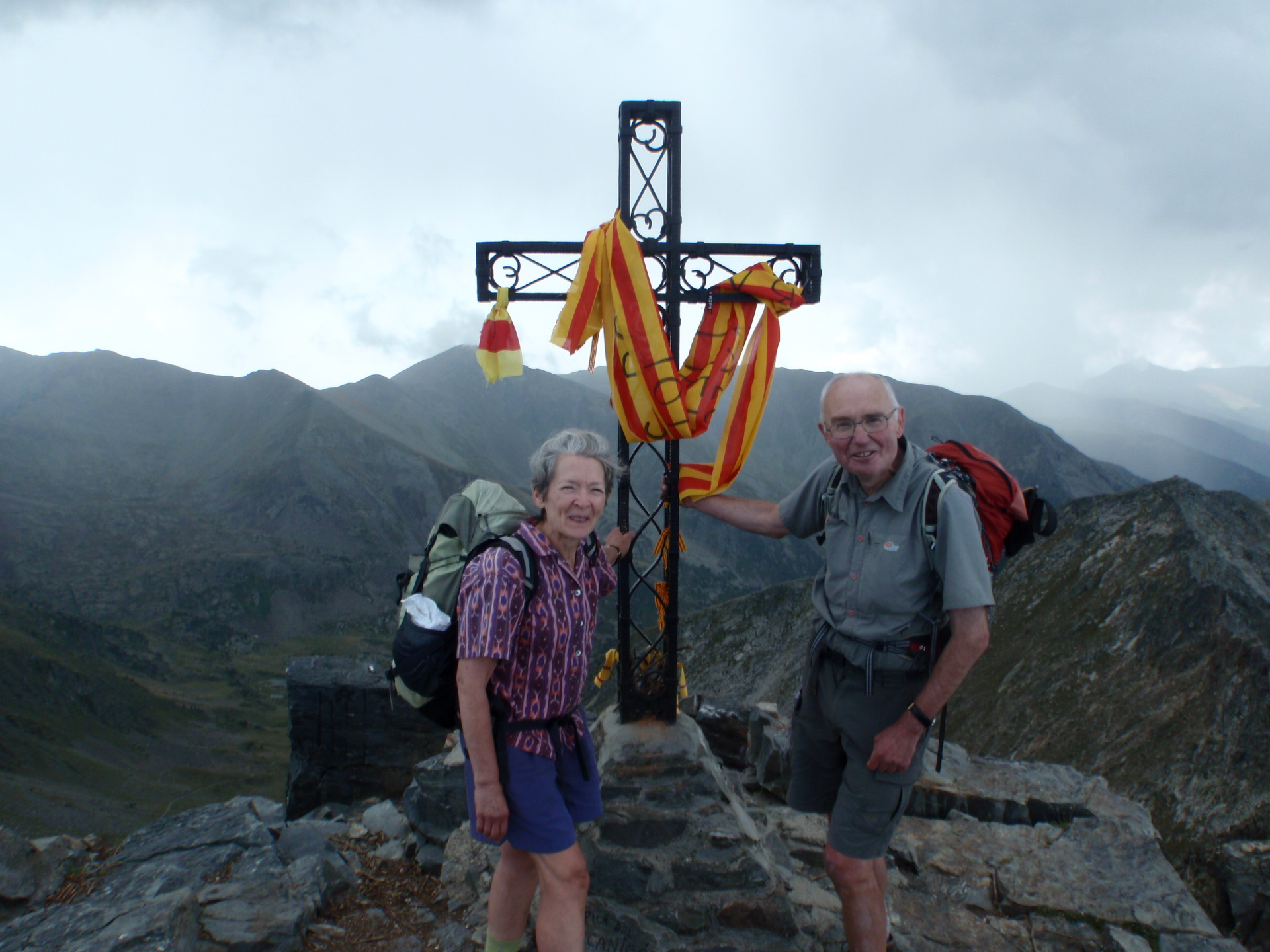 Talk: On foot along the mountain frontier of the Pyrenees